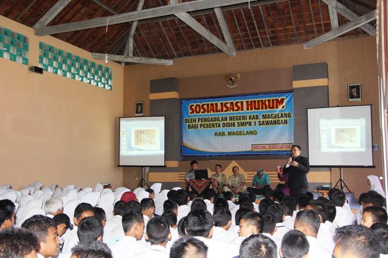 Sosialisasi Penyuluhan Hukum di SMPN 1 Sawangan